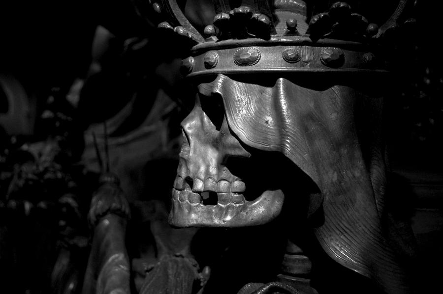 Crowned Death II Photograph