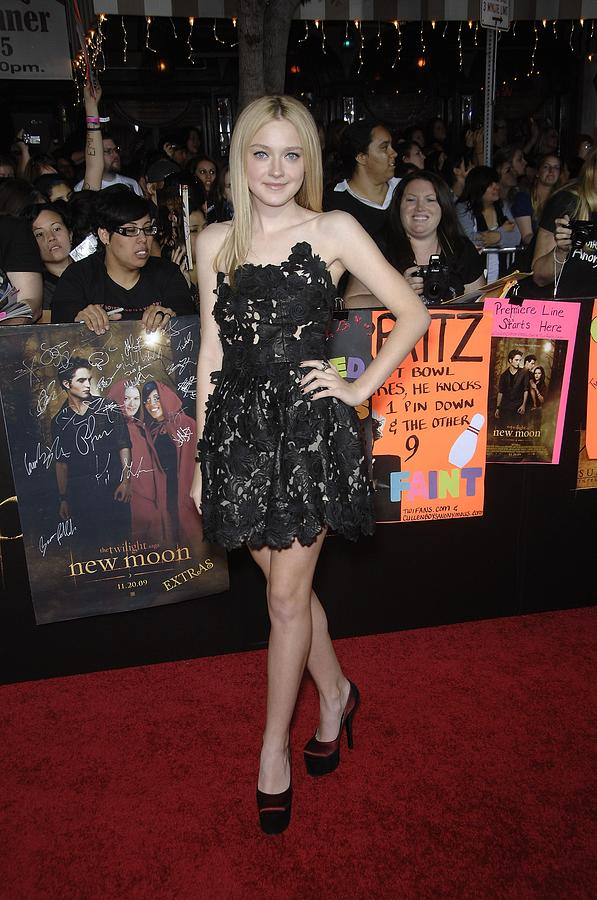 Dakota Fanning Photograph - Dakota Fanning Wearing A Valentino by Everett