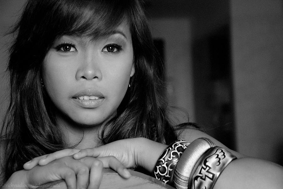 Portrait Photograph - Dayang Abhari by Enrique Rueda