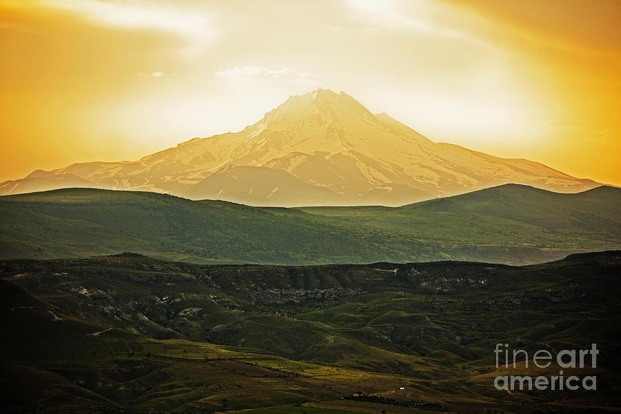 Vista Photograph - Daybreak by Andrew Paranavitana