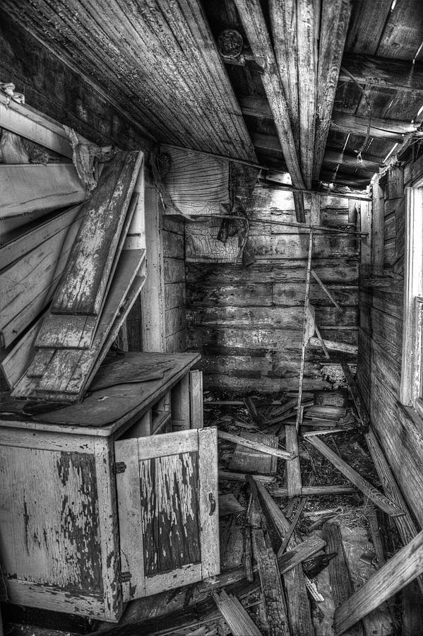 Derelict Photograph - Derelict House Bw by Thomas Zimmerman