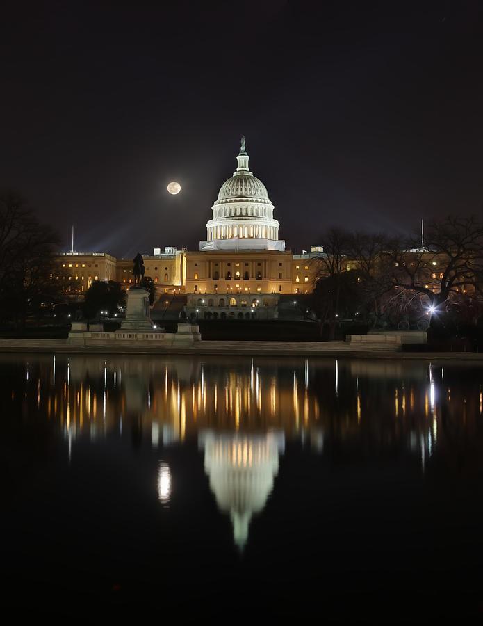 Digital Liquid - Full Moon At The Us Capitol Digital Art