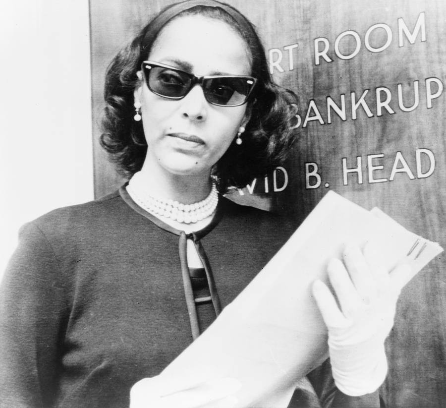 Dorothy Dandridge 1922-1965, Prepares Photograph