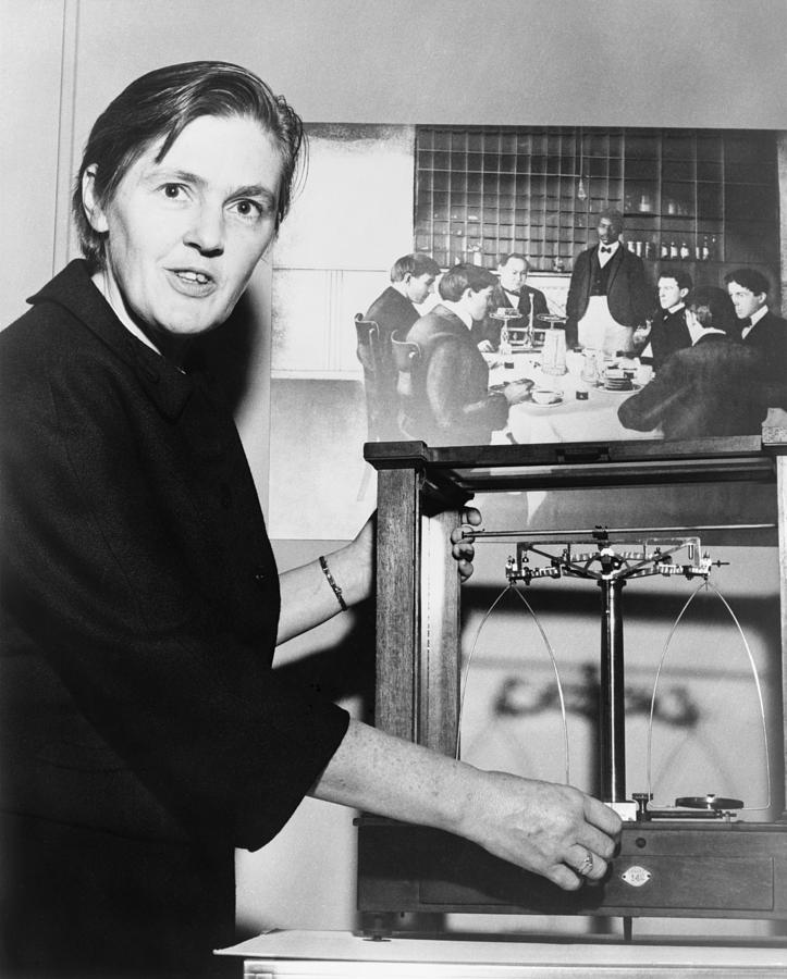 History Photograph - Dr. Frances Oldham Kelsey by Everett