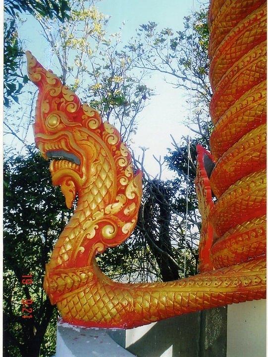 dragon-khmer-sculpture-sovann-men.jpg