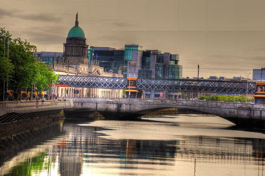 Temple Bar Digital Art - Dublin by Barry R Jones Jr