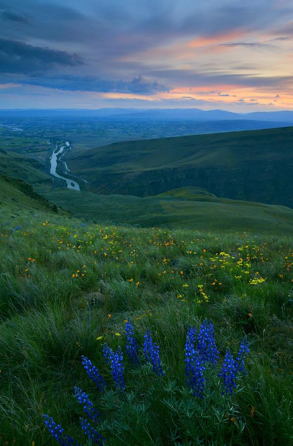 Dusk Over The Yakima Valley Photograph