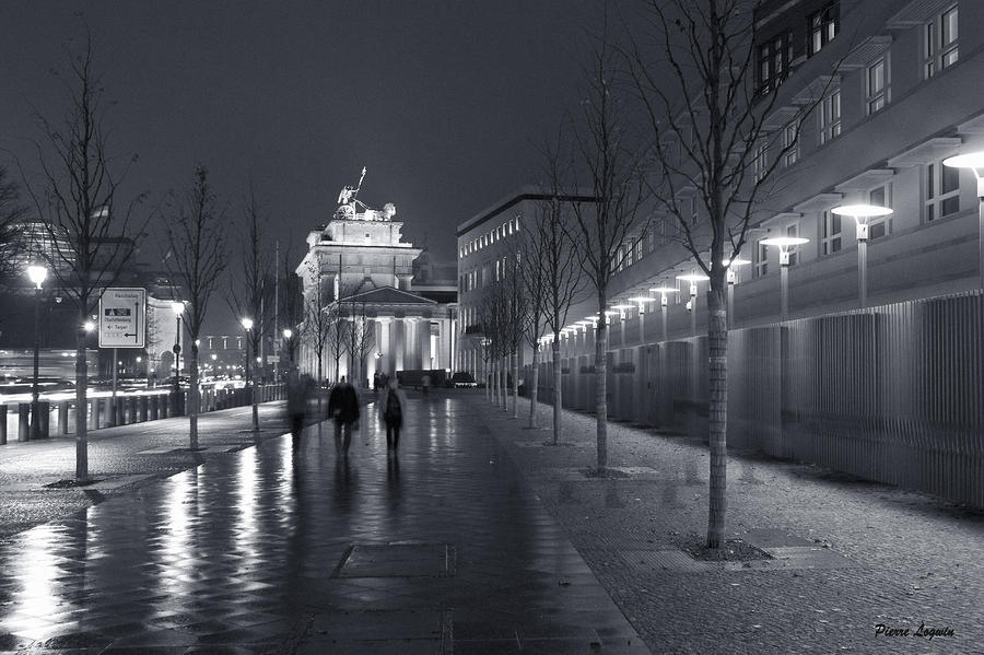 Ebertstrasse And The Brandenburg Gate Photograph