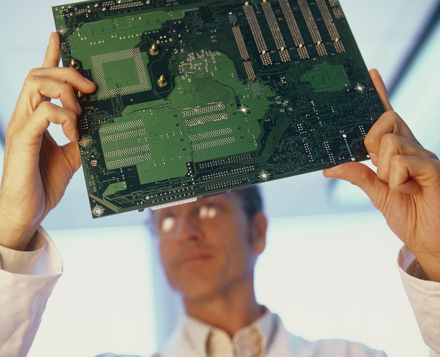 Electronics Engineer Photograph