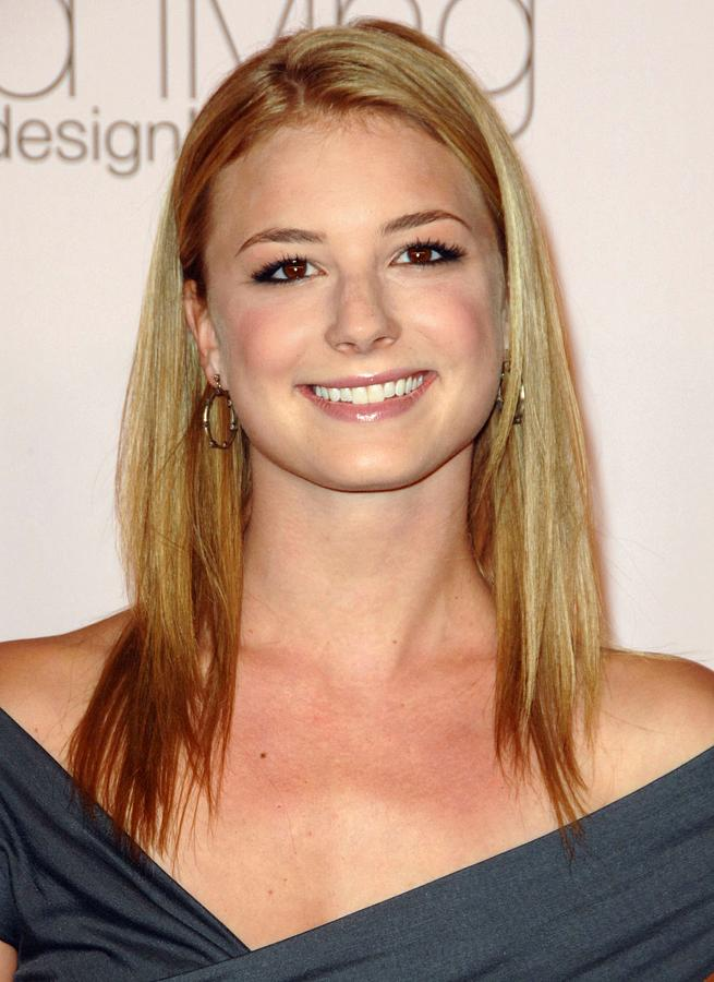 Emily Vancamp At Arrivals For 2009 Photograph