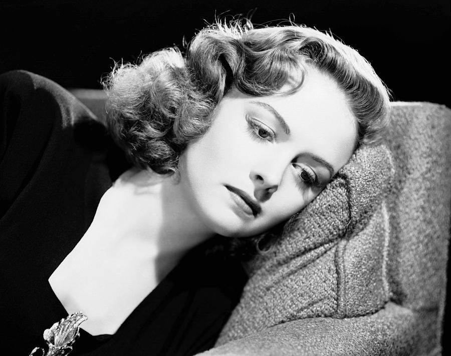 1940s Portraits Photograph - Eyes In The Night, Donna Reed, 1942 by Everett