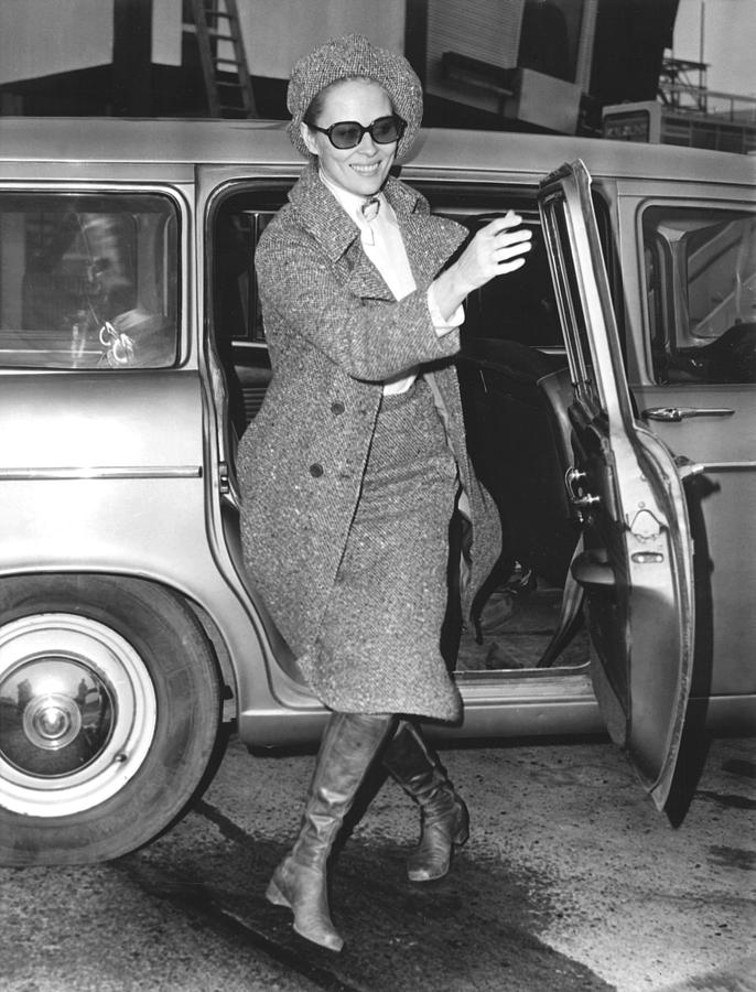 Faye Dunaway Arriving At The London Photograph