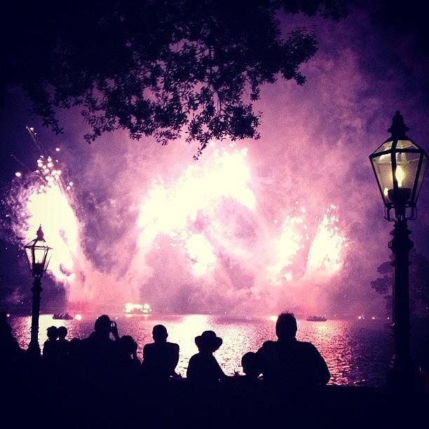 Disney Epcot Silhouette Fireworks Disney Epcot