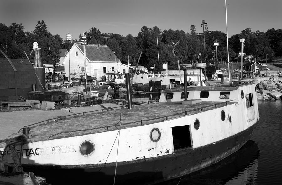 Fishing Boats - Gils Rock Photograph