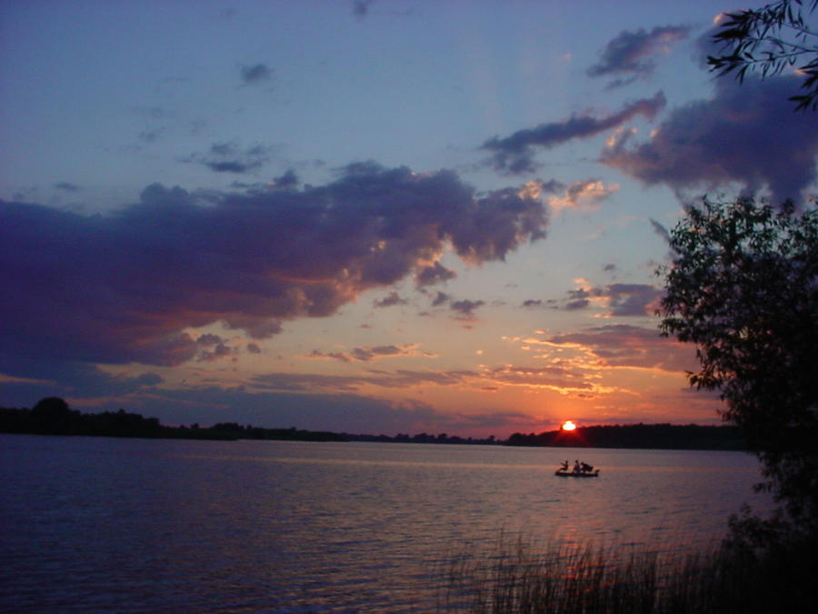 Saint lawrence river pictures posters news and videos for St lawrence river fishing