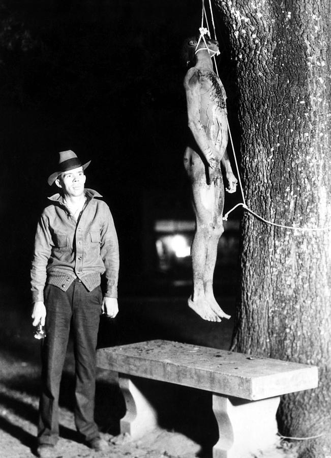 why did lynching occur towards african americans Some of these cases did appear in press accounts, when reporters depicted them as violent public spectacles, as they did with many lynchings of african-americans in the south.