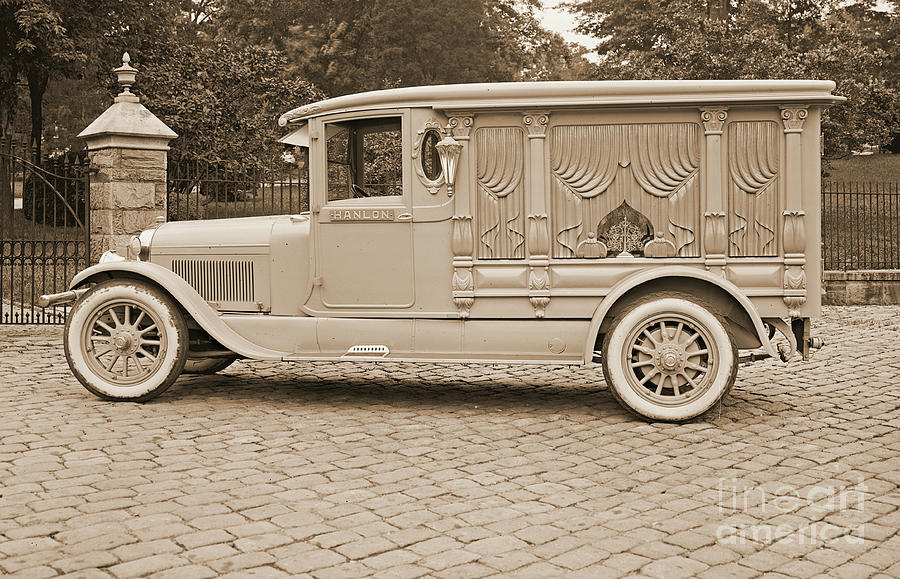 Ford Motor Company Hanlon Lincoln Hearse 1915 Photograph