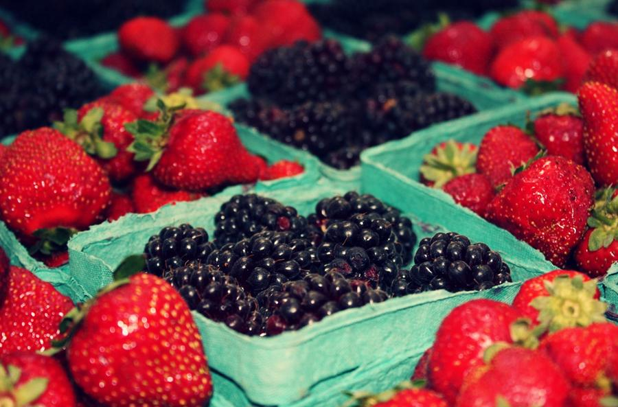Photograph - Framers Market Berries by Cathie Tyler