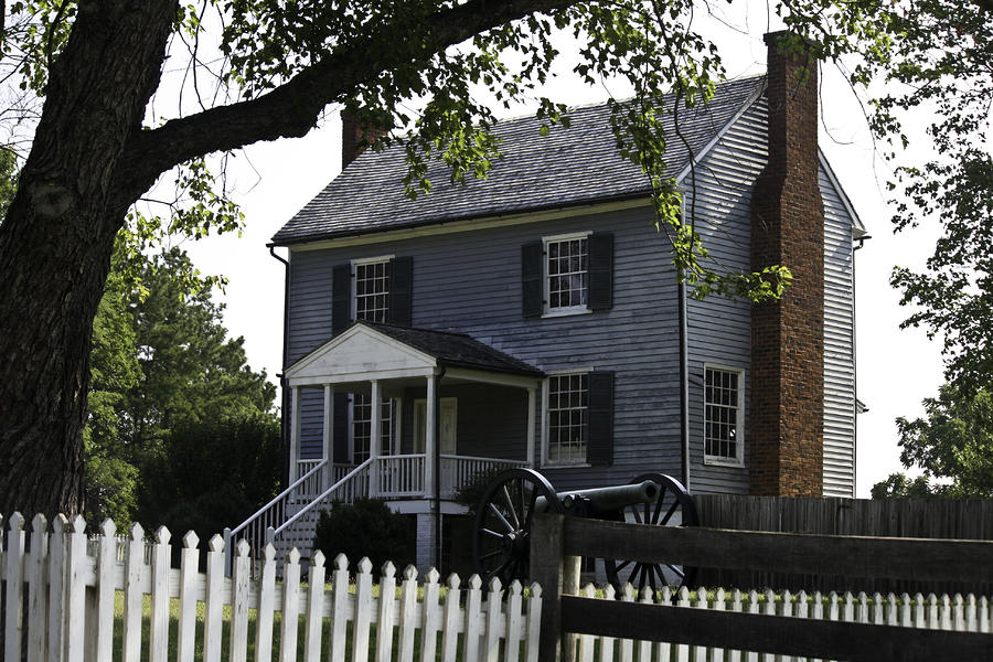 Appomattox Photograph - George Peers House Appomattox Virginia by Teresa Mucha