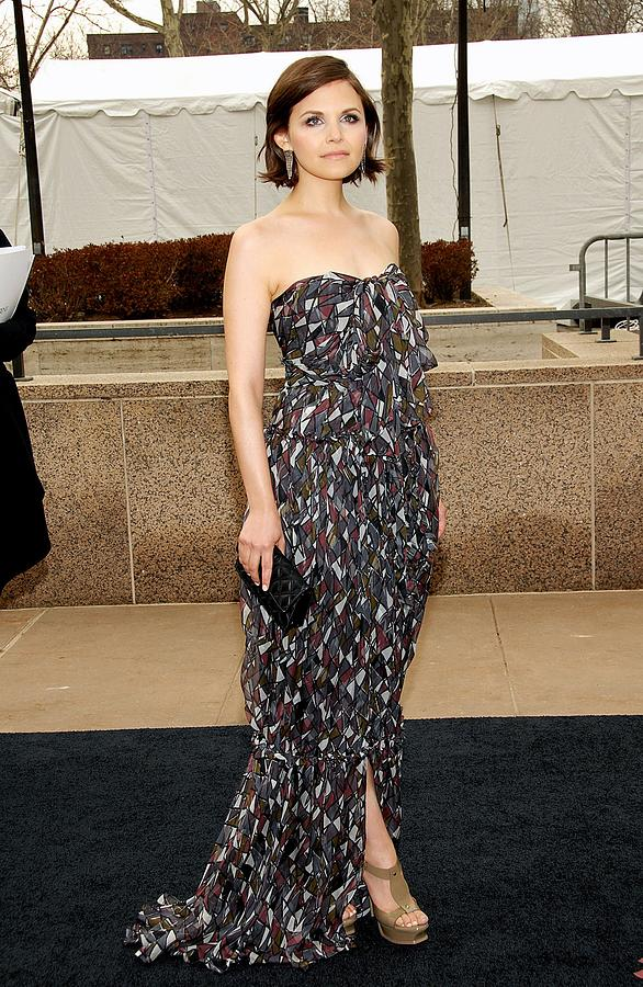 Ginnifer Goodwin Wearing A Yves Saint Photograph  - Ginnifer Goodwin Wearing A Yves Saint Fine Art Print