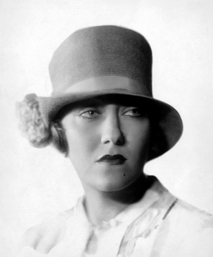 Gloria Swanson, 1927 Photograph