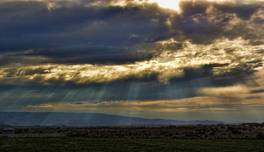 Glory Of Heaven And Earth Photograph