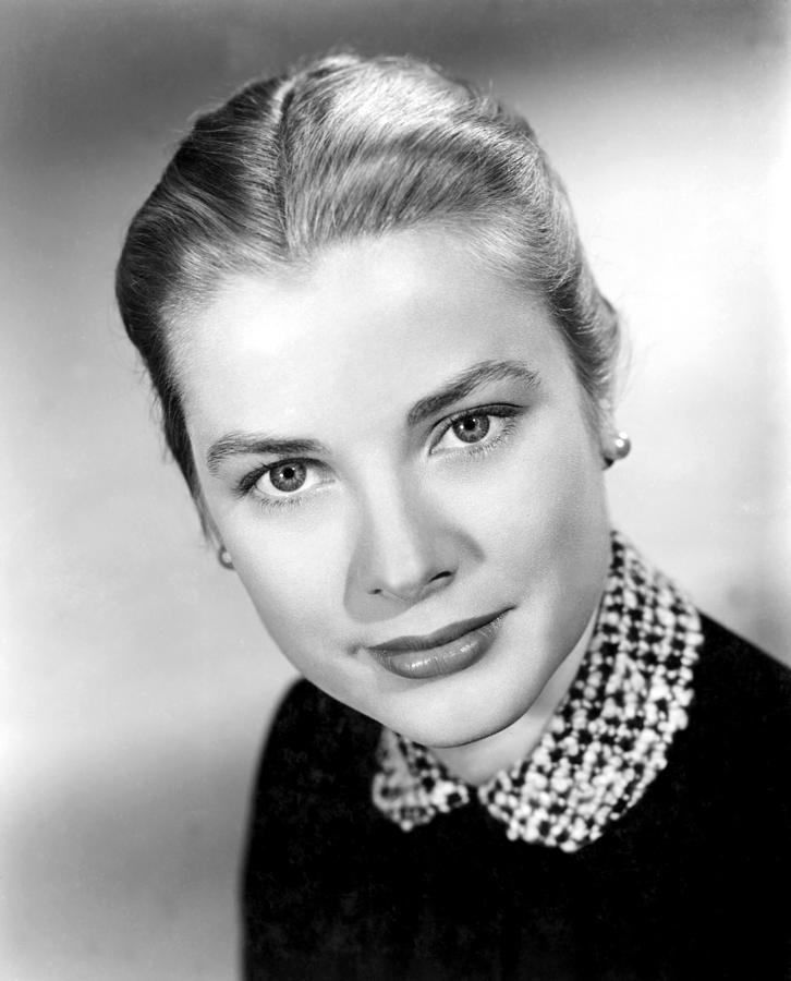 1950s Portraits Photograph - Grace Kelly, 1952 by Everett
