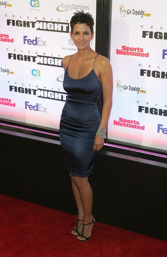 Halle Berry Wearing A Rachel Roy Dress Photograph