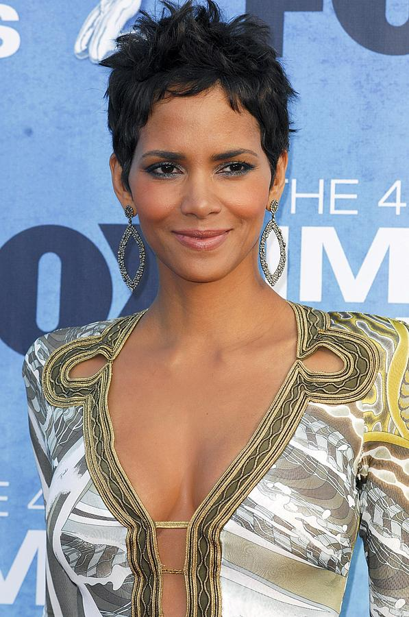 Halle Berry Wearing An Emilio Pucci Photograph