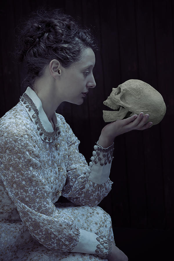 Female Photograph - Hamlet by Joana Kruse