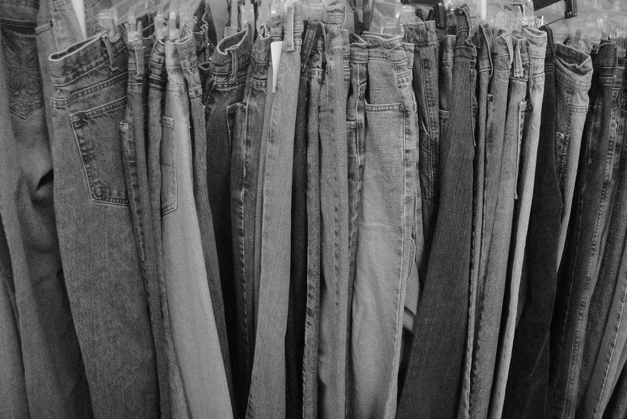 Hanging Jeans Relief