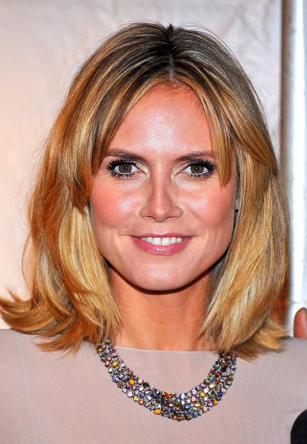 Heidi Klum At Arrivals For Reaching Out Photograph