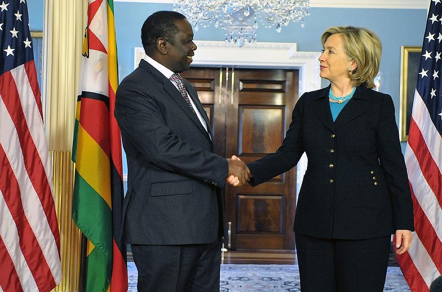 History Photograph - Hillary Clinton Shakes Hands by Everett