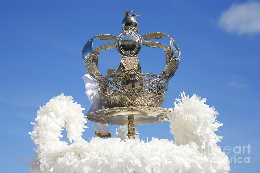 Holy Spirit Crown Photograph