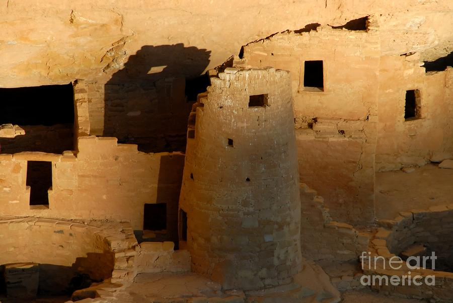 an essay on the anasazi people Anasazi summary & study guide includes detailed chapter summaries and analysis + essays adaptations topics for further study compare line 3 of the poem refers to the cliff dwellings that the anasazi people constructed on the steep sides of the mountains.