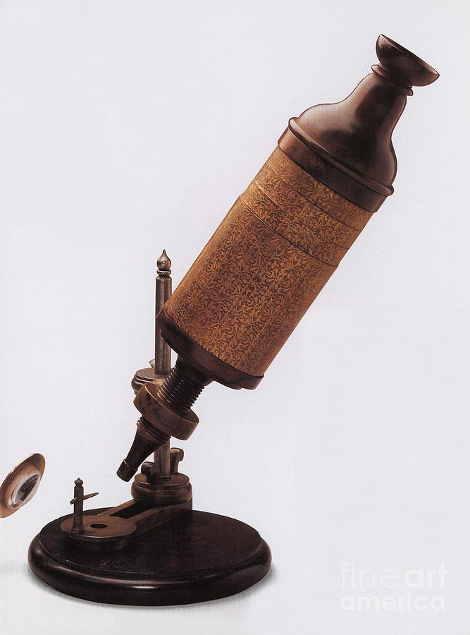 Hooke Photograph - Hookes Microscope by Photo Researchers