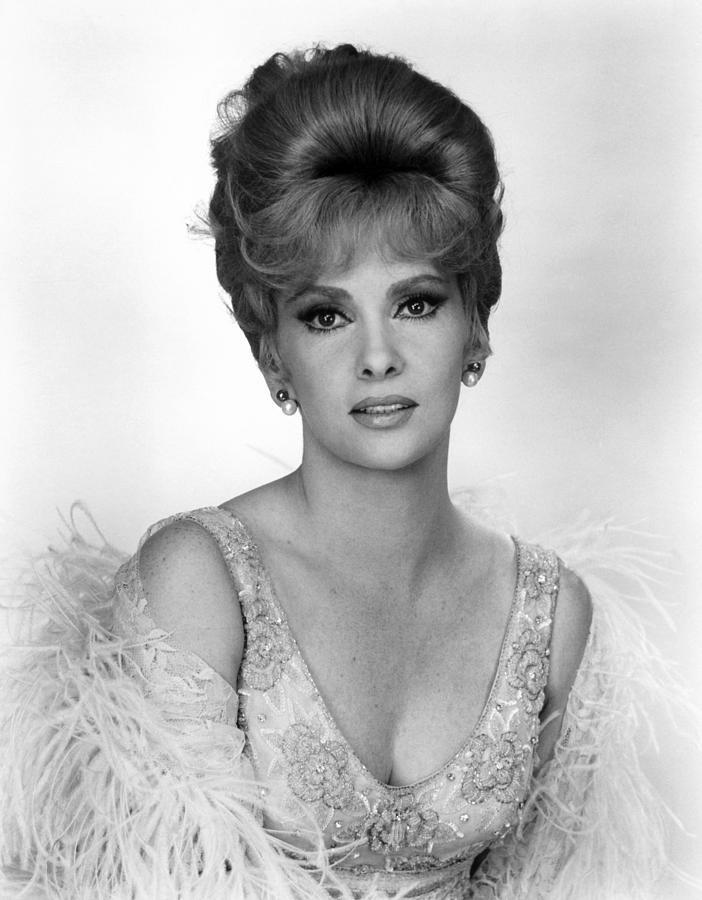 1960s Hairstyles Photograph - Hotel Paradiso, Gina Lollobrigida, 1966 by Everett