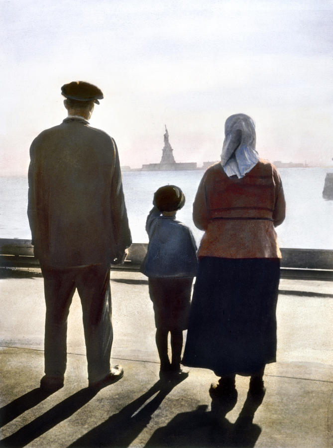 Immigrants: Ellis Island Photograph