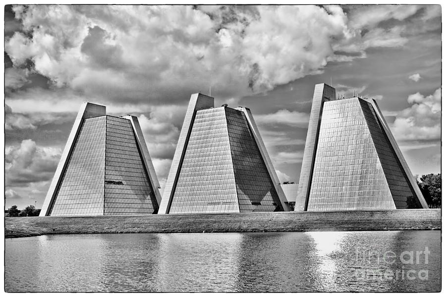 Indianapolis Photograph - Indianapolis Pyramids by David Haskett