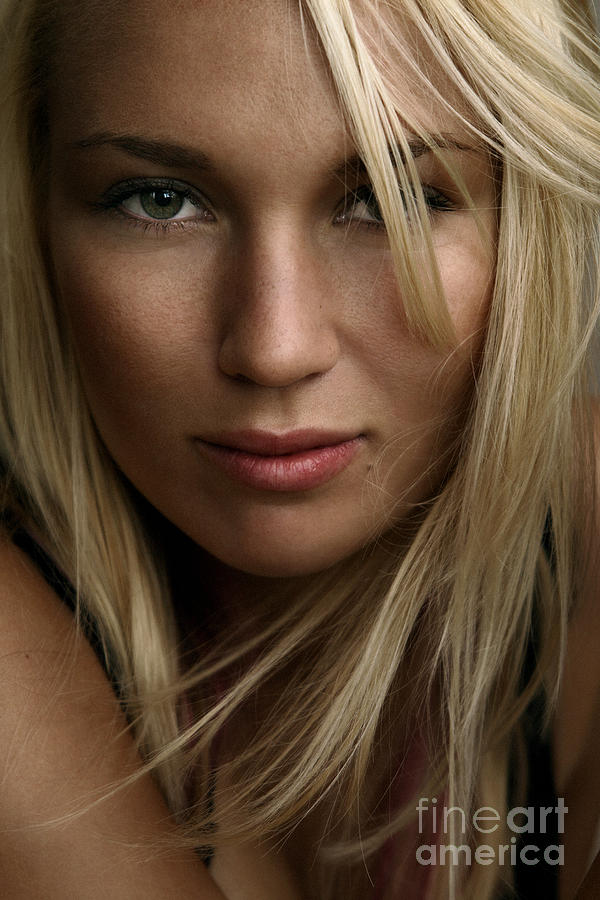 Beauty Photograph - Iris by Silvio Schoisswohl