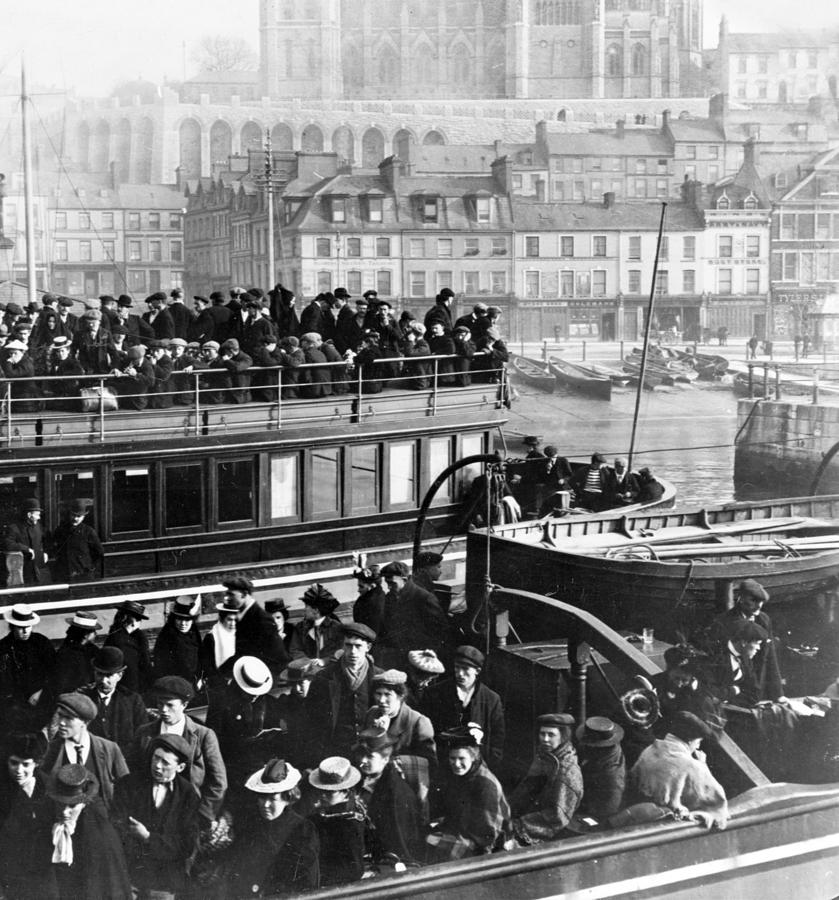 a description of irish immigration to canada A letter to ireland: irish immigration primary source  coffin ships that carried irish immigrants to canada and  and irish immigration primary.