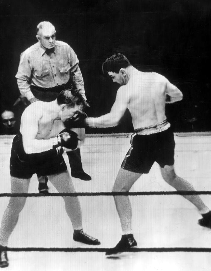 James Braddock Right Pummels Tommy Farr Photograph  - James Braddock Right Pummels Tommy Farr Fine Art Print