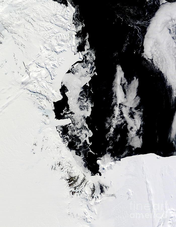 January 18, 2010 - Ross Sea, Antarctica Photograph
