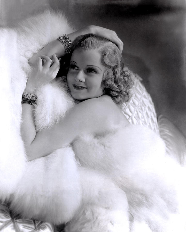 1930s Portraits Photograph - Jean Harlow, Mgm, 1930s by Everett