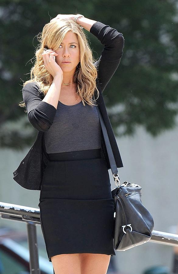 Jennifer Aniston Photograph - Jennifer Aniston On Location by Everett