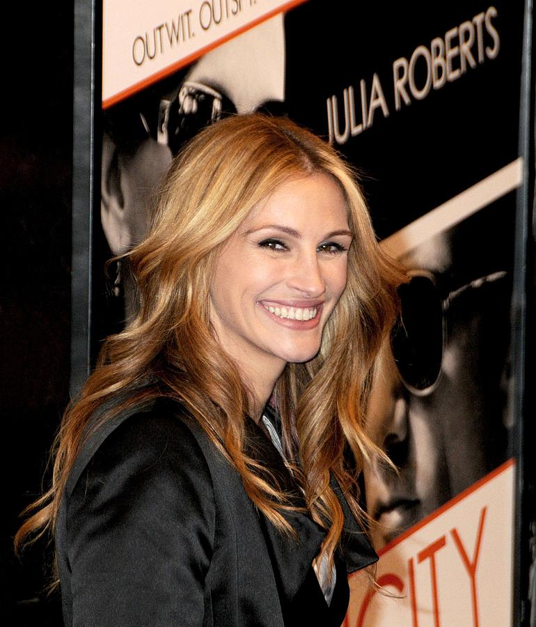 Julia Roberts At Arrivals For Duplicity Photograph  - Julia Roberts At Arrivals For Duplicity Fine Art Print