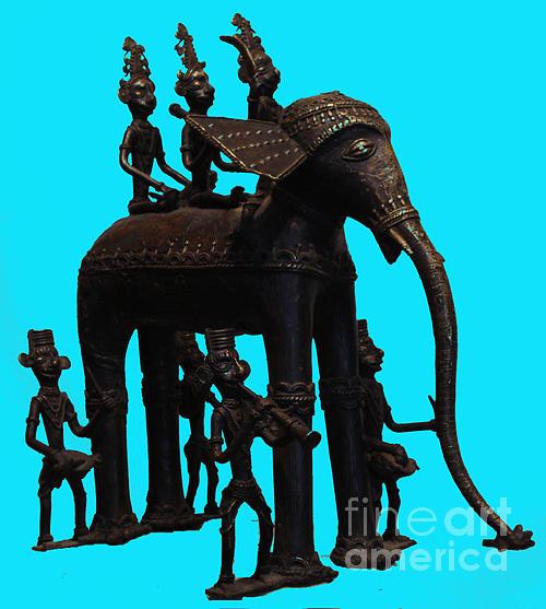 King And Queen Onelephant  Sculpture