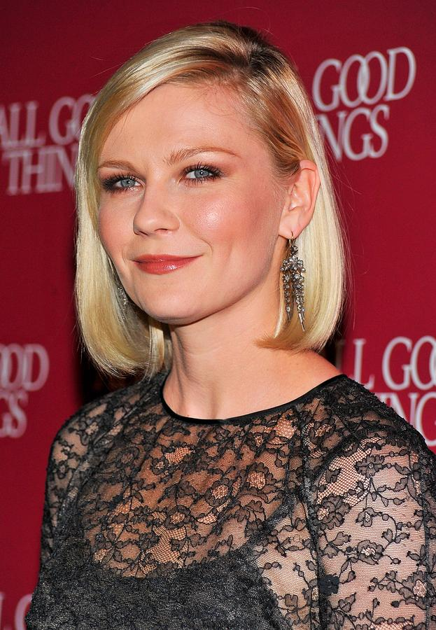 Kirsten Dunst  Wearing Fred Leighton Photograph  - Kirsten Dunst  Wearing Fred Leighton Fine Art Print