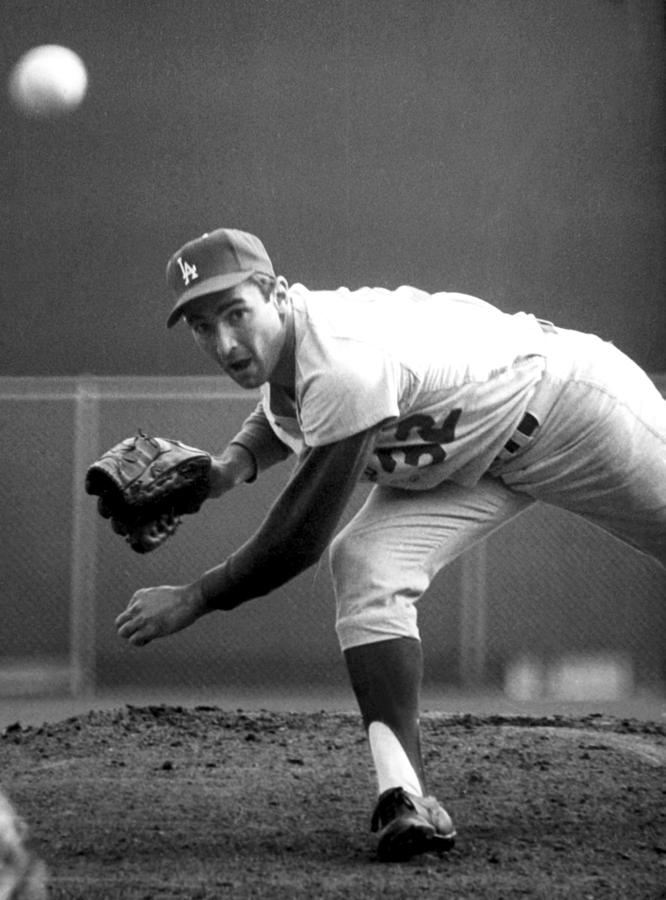 L.a. Dodgers Pitcher Sandy Koufax, 1965 Photograph  - L.a. Dodgers Pitcher Sandy Koufax, 1965 Fine Art Print