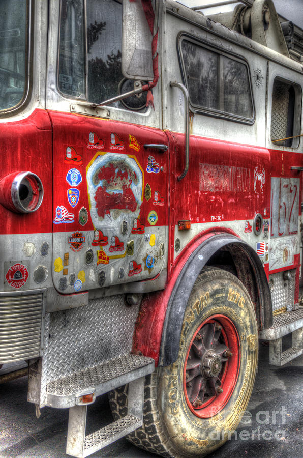 Ladder Truck 152 - In Remembrance Of 9-11 Photograph  - Ladder Truck 152 - In Remembrance Of 9-11 Fine Art Print